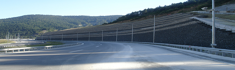 Maccaferri retaining walls and soil reinforcement