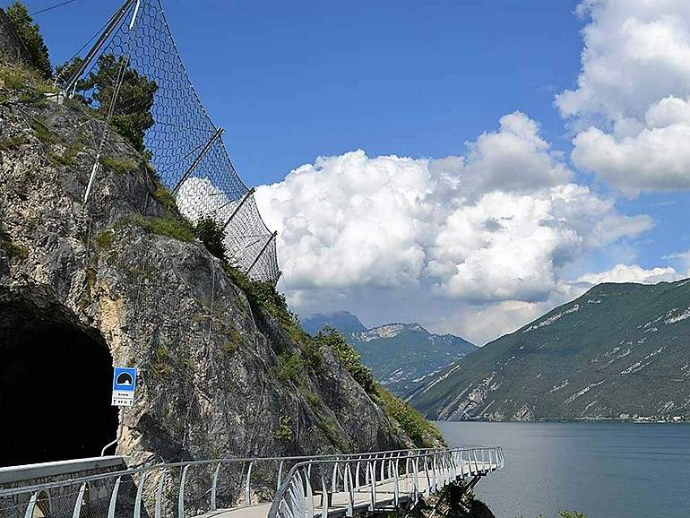 garda-by-bike_rockfall barrier